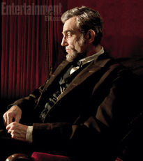 first-official-image-of-daniel-day-lewis-as-abraham-lincoln-110525-205-80