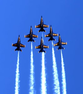 Blue-Angels-In-formation-by-Jake-Ehrlich-October-7-2012-Close-IMG_6738